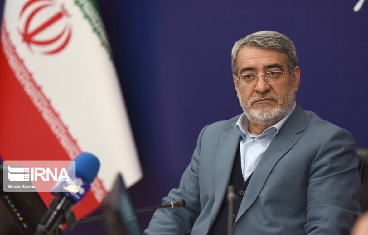 خبرنگاران وزیر کشور از کوشش استاندار کرمانشاه در مقابله با کرونا قدردانی کرد